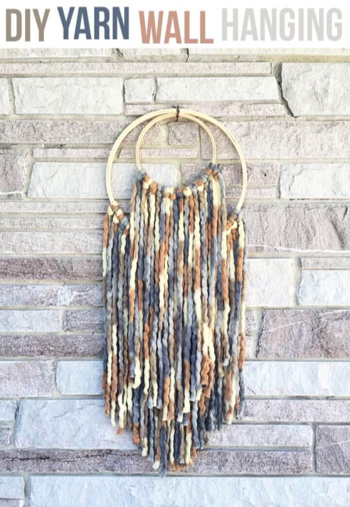 Easy DIY Yarn Wall Hanging