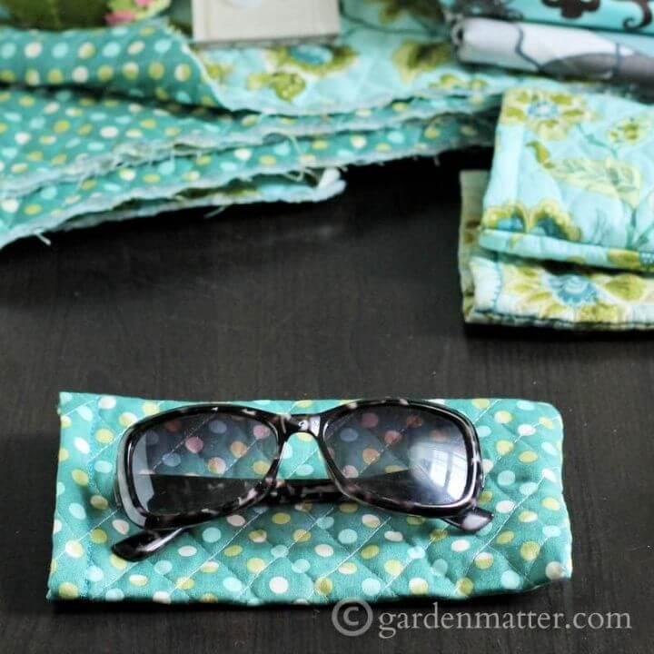 Easy Quilted Sunglass Case Tutorial