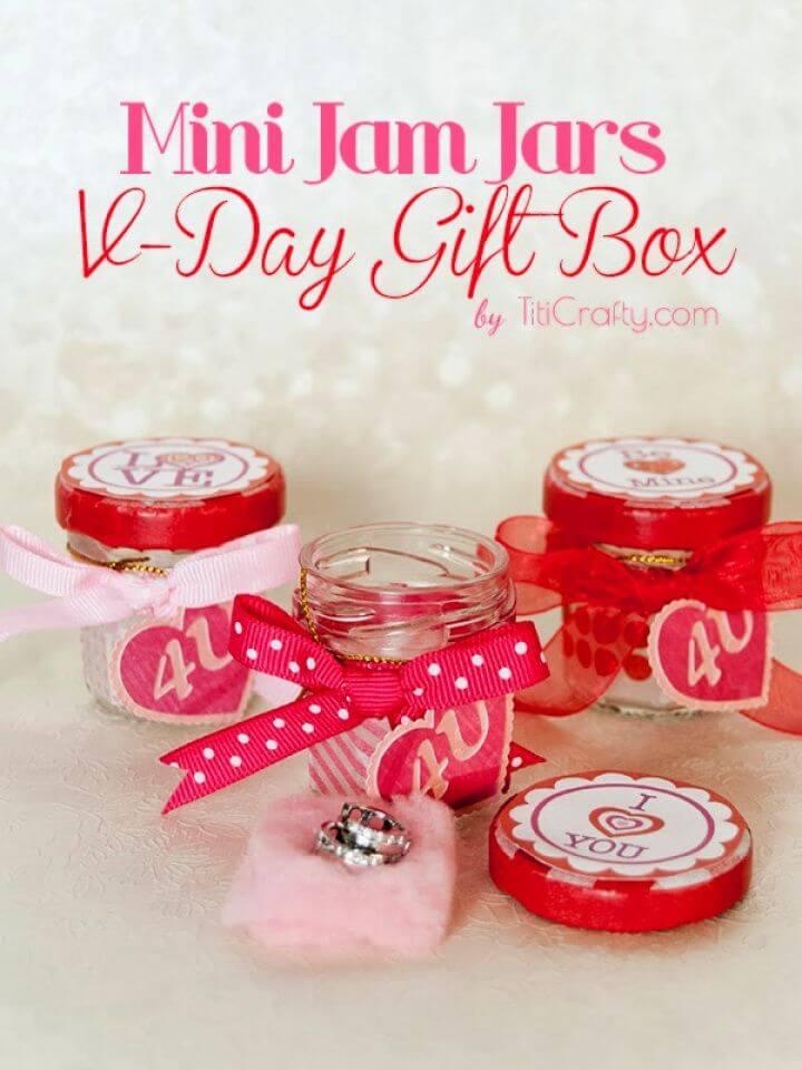 Mini Jam Valentine Jars