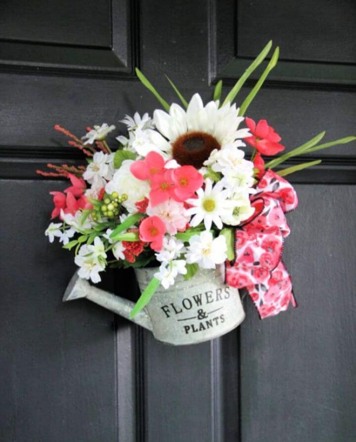 Unique Summer Wreath Idea