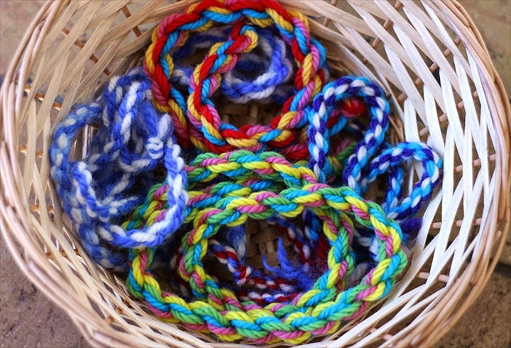 How To Make A Wool Twistie