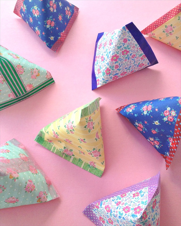 Make Pyramid Paper Pouches